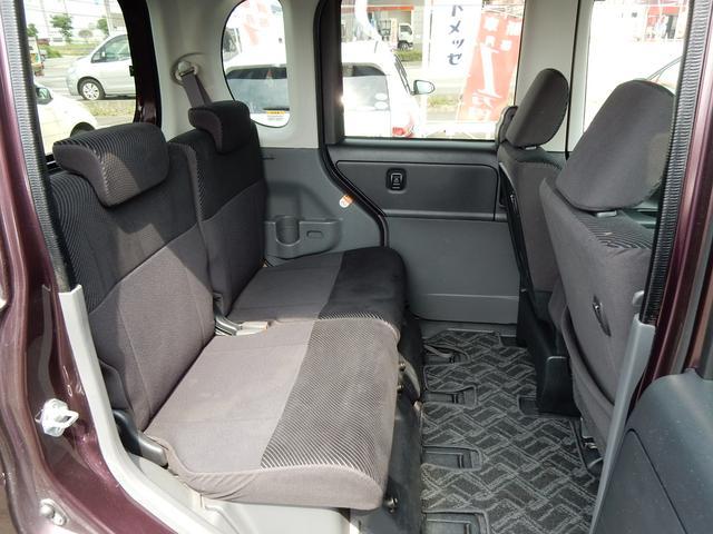後部座席もゆったり座って頂けますよ♪ここに誰を乗せますか?家族、友達、それとも…。