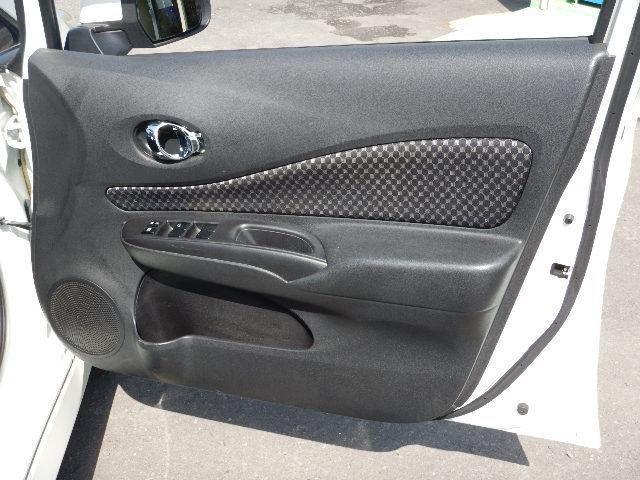 運転席ドアパネルです。