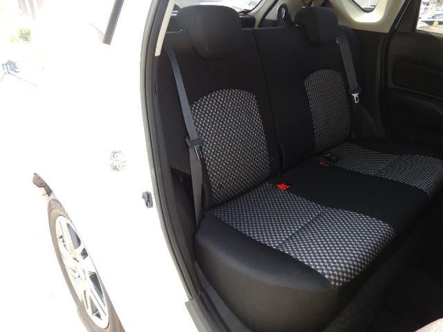 運転席側・後部座席全景です。