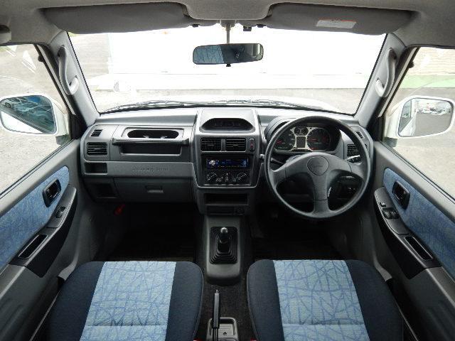 【運転席正面】車高が高く視界良好な運転席です♪