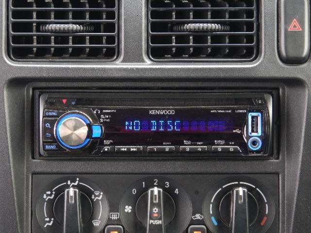 【インパネセンター上部・オーディオ部】社外CD(ケンウッド製:U383)付いています♪