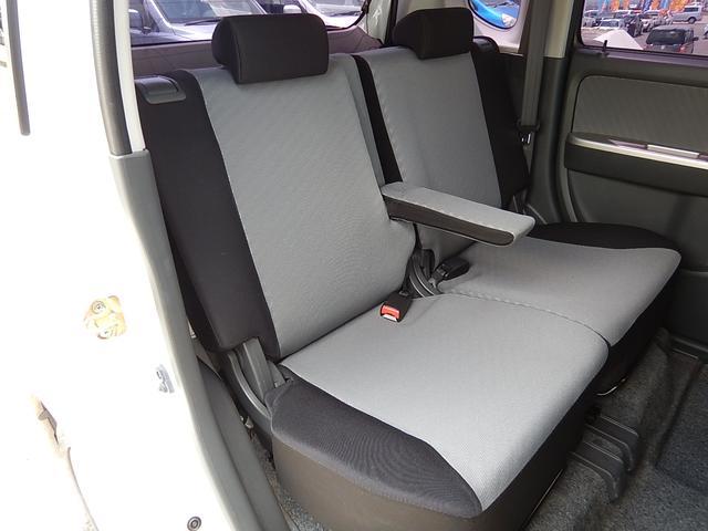 【運転席側・後部座席全景】