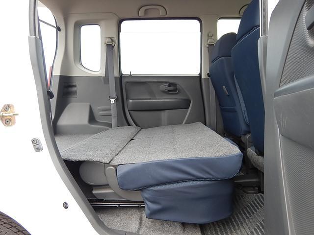 【後部座席・傾倒時】座席をたためば荷室とフラットになります♪
