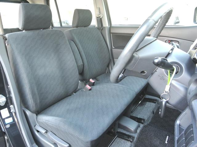フロントシート シートリフター付で高さ調整出来ます!走行少ないのでシートキレイ車内キレイですよ! タバコ臭無し! バッテリー&タイヤ4本交換付総額!