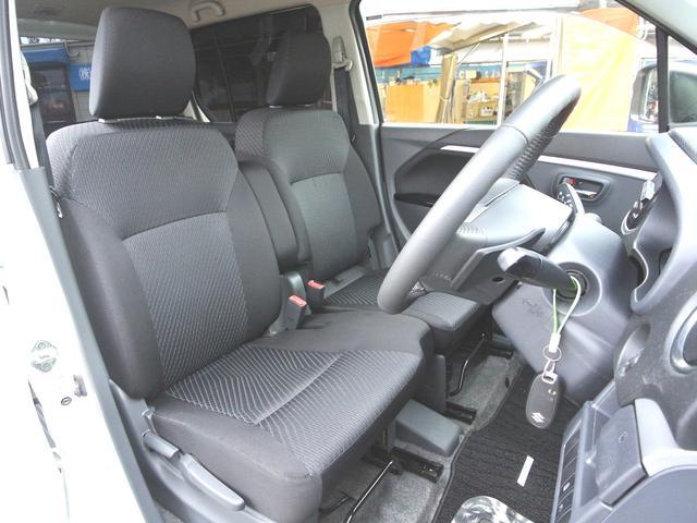 フロントシート シートリフター付で高さ調整出来ます! 走行少ないのでシートキレイ車内キレイですよ!