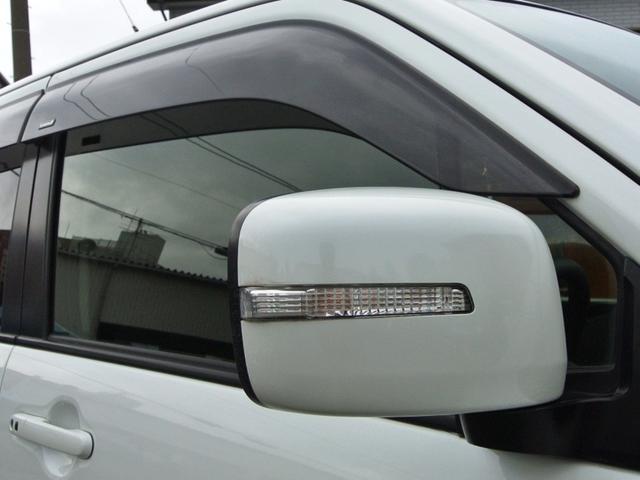 ウィンカードアミラー 電動格納ミラー ドアバイザー付いてます! 雨の日でも室内の換気が簡単にできて便利ですね♪