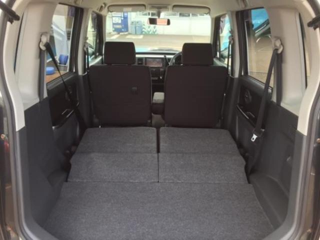 両方のシートを倒すとこれだけのスペースがあります!!