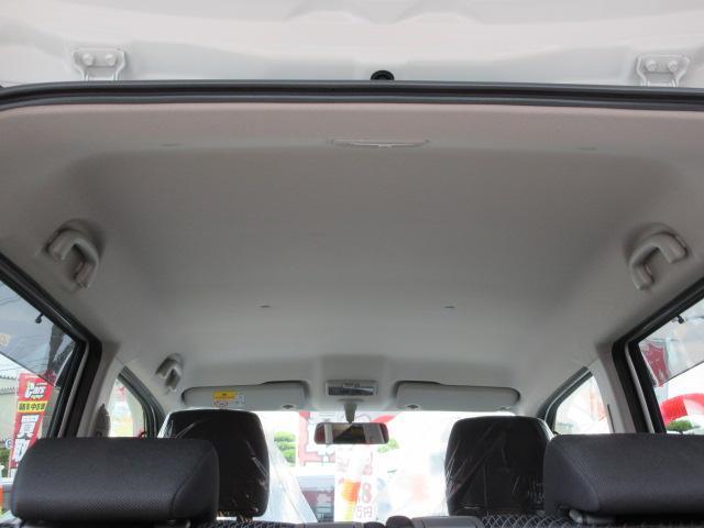 天井には、シミひとつございません!!全車クリーニング済みです。