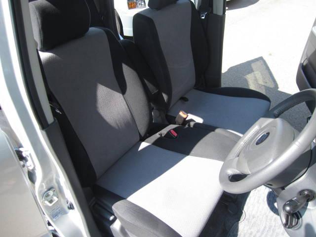 ☆運転席・助手席ともにシートは綺麗です☆