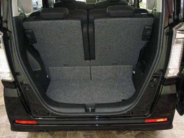 フル乗車でも荷物スペースを確保!!