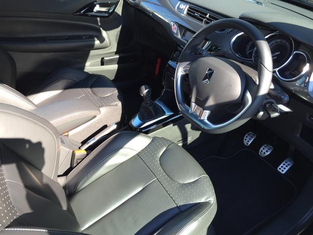 シトロエン シトロエン DS3カブリオ スポーツシック 試乗車 新車保証 レザーシート