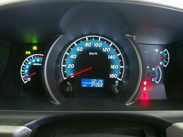 トヨタ ハイエースバン スーパーGL 4WD カスタム仕様 SDナビ 3型 ベッド付