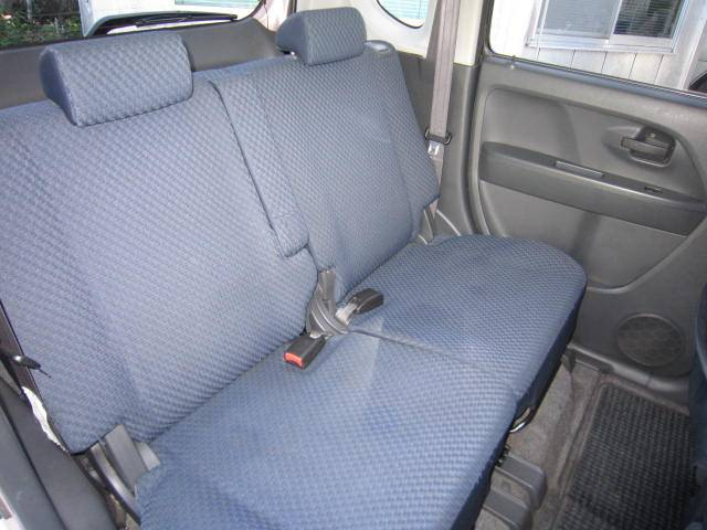 後部座席もしっかり、ゆったり座ることが出来ます