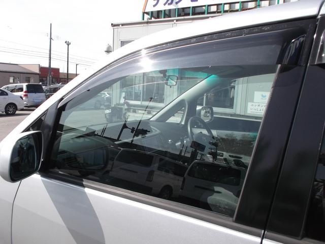 トヨタ ヴォクシー X 両側パワスラ ナビ