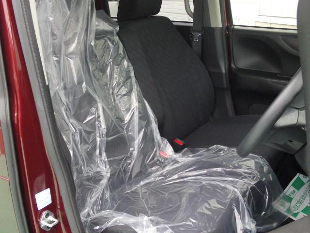 お買い上げいただいたお車はしっかり整備をさせていただいてからご納車いたします!