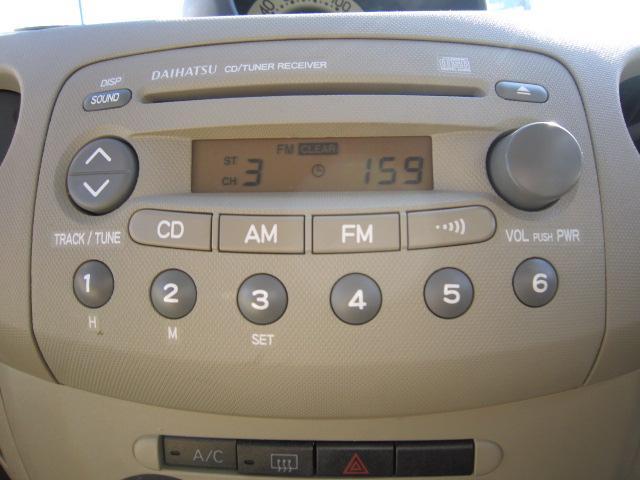 純正CD付き!楽しいドライブのお供に!もちろん社外オーディオ・ナビ取付等よろこんで承ります!