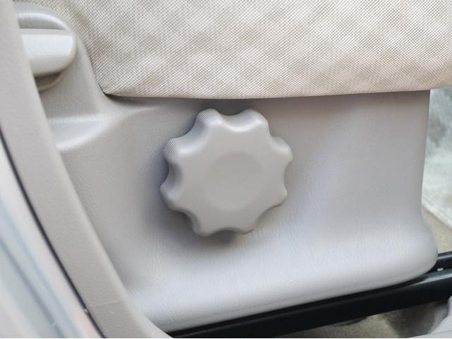 日産 モコ ブランベージュセレクション 純正CDデッキ