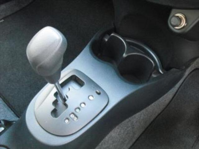 トヨタ ヴィッツ F 4WD メモリーナビワンセグ キーレス