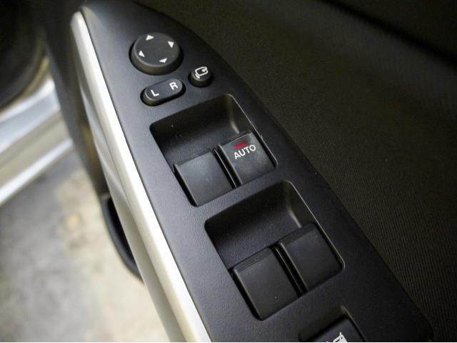 マツダ デミオ 13−スカイアクティブ 社外CDデッキ