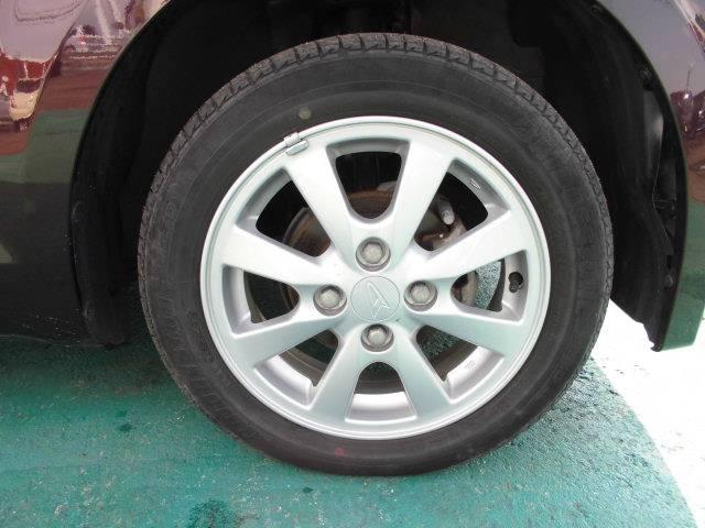 タイヤサイズは155/65R14です!純正アルミホイール付きです!