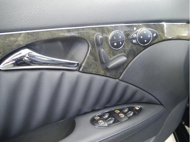 メルセデス・ベンツ M・ベンツ E350 4マチック アバンギャルド 黒革 サンルーフ