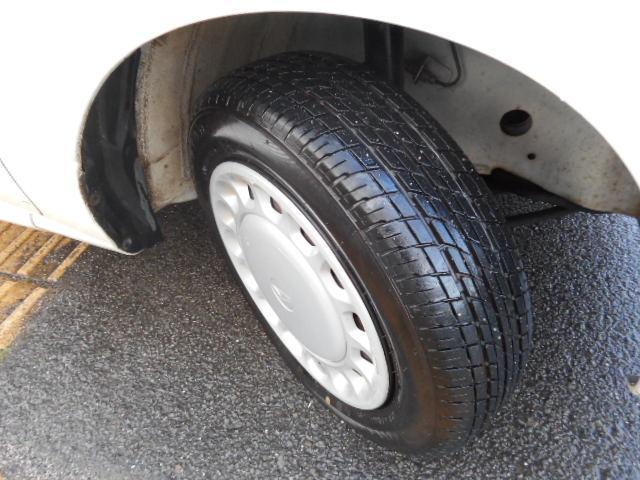 タイヤ目充分にあります。