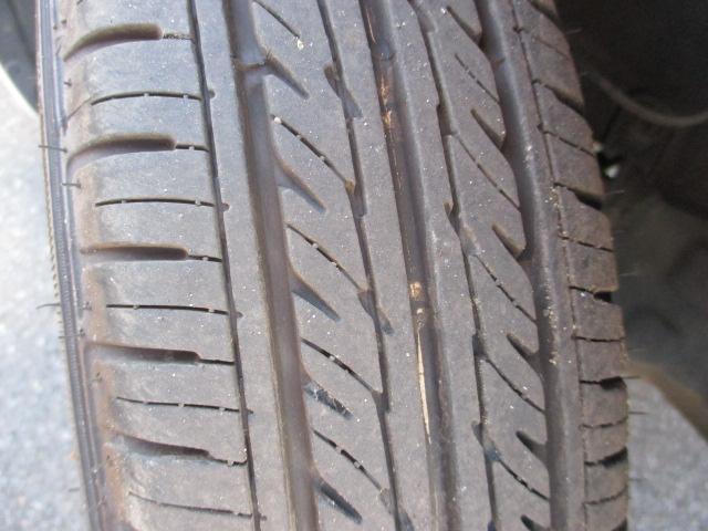 タイヤの溝は6ミリ程度です★
