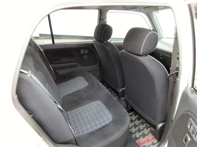 こちらのお車は内外装がとてもキレイな状態です。是非、ご検討下さい!