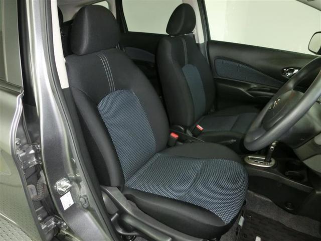 運転席のシートです。使用感も出ていませんよ♪キレイに使っていました。