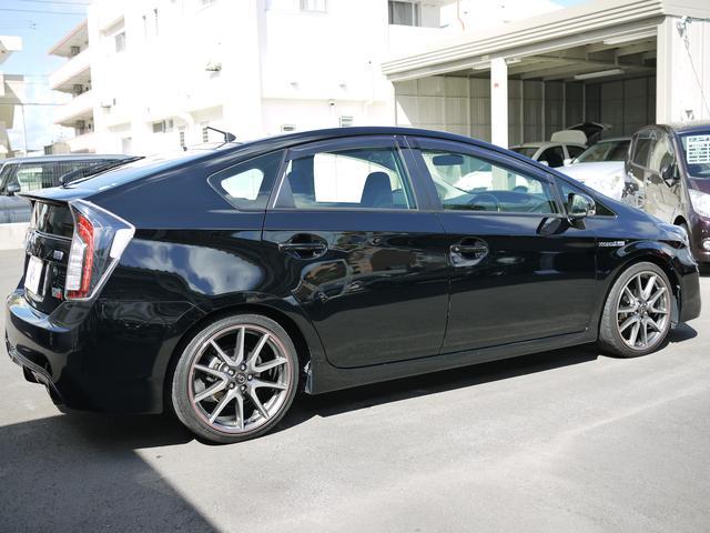 ★この車が気になるけど、このキズが、、、、こんな時は是非ご相談ください。提携板金屋さんに格安補修してお渡しいたします。