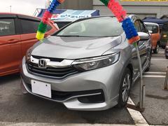 沖縄の中古車 ホンダ シャトル 車両価格 167万円 リ済込 平成28年 3.4万K シルバー