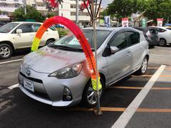 沖縄の中古車 トヨタ アクア 車両価格 118.8万円 リ済別 平成24年 5.3万K シルバー
