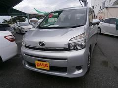 沖縄の中古車 トヨタ ヴォクシー 車両価格 129.6万円 リ済別 平成25年 6.8万K シルバー