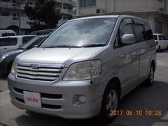 沖縄の中古車 トヨタ ノア 車両価格 32万円 リ済込 平成16年 10.7万K シルバーM