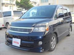 沖縄の中古車 トヨタ ヴォクシー 車両価格 28万円 リ済込 平成17年 14.3万K ダークブルーM