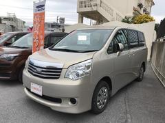 沖縄の中古車 トヨタ ノア 車両価格 140万円 リ済別 平成25年 4.7万K ベージュ