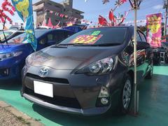 沖縄の中古車 トヨタ アクア 車両価格 99万円 リ済込 平成24年 8.2万K グレーM