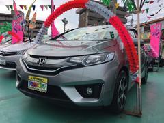 沖縄の中古車 ホンダ フィットハイブリッド 車両価格 109万円 リ済込 平成25年 5.9万K ガンM