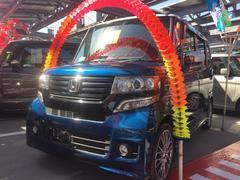 沖縄の中古車 ホンダ N BOXカスタム 車両価格 123万円 リ済込 平成26年 6.9万K ブルーII