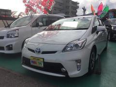 沖縄の中古車 トヨタ プリウス 車両価格 119万円 リ済込 平成24年 8.7万K パールホワイト