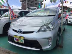 沖縄の中古車 トヨタ プリウス 車両価格 109万円 リ済込 平成24年 8.2万K シルバーM