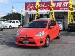 沖縄の中古車 トヨタ アクア 車両価格 95万円 リ済込 平成24年 6.2万K オレンジ