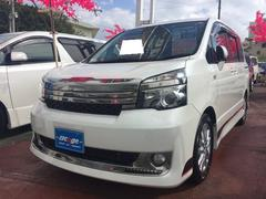 沖縄の中古車 トヨタ ヴォクシー 車両価格 129万円 リ済込 平成22年 9.0万K パール