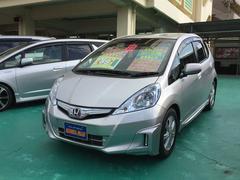沖縄の中古車 ホンダ フィットハイブリッド 車両価格 88万円 リ済込 平成23年 3.3万K シルバーM