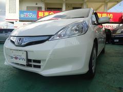 沖縄の中古車 ホンダ フィットハイブリッド 車両価格 69万円 リ済込 平成23年 7.9万K パールホワイト