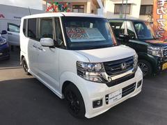 沖縄の中古車 ホンダ N BOXカスタム 車両価格 156.8万円 リ済別 平成28年 0.5万K パールホワイト