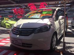 沖縄の中古車 ホンダ フリード 車両価格 97万円 リ済込 平成22年 8.2万K ホワイト