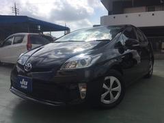 沖縄の中古車 トヨタ プリウス 車両価格 123万円 リ済込 平成26年 7.6万K ブラック