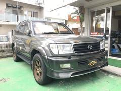 沖縄の中古車 トヨタ ランドクルーザー100 車両価格 219万円 リ済込 平成13年 20.6万K ダークグレー