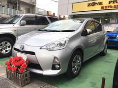 沖縄の中古車 トヨタ アクア 車両価格 105万円 リ済込 平成26年 7.2万K シルバー
